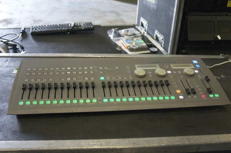 used smartfade ml by electronic theatre controls item 15511