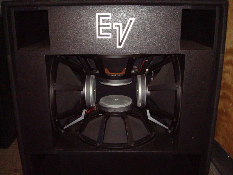 used mth 4 sound system by electro voice item 21521. Black Bedroom Furniture Sets. Home Design Ideas