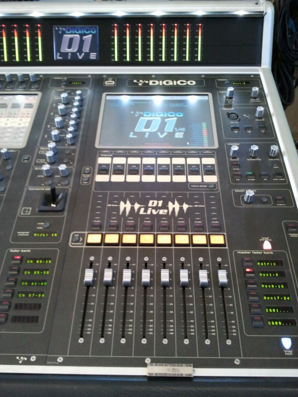 Used D1 Live 56EX PACKAGE (2 CONSOLES) from DigiCo