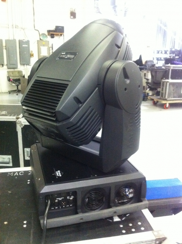 Used MAC 2000 Performance from Martin Professional