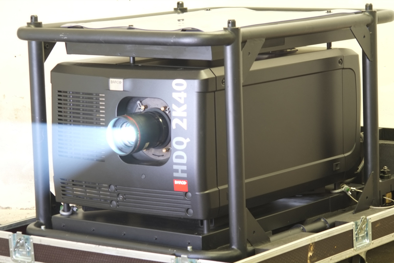 Used HDQ-2K40 from Barco