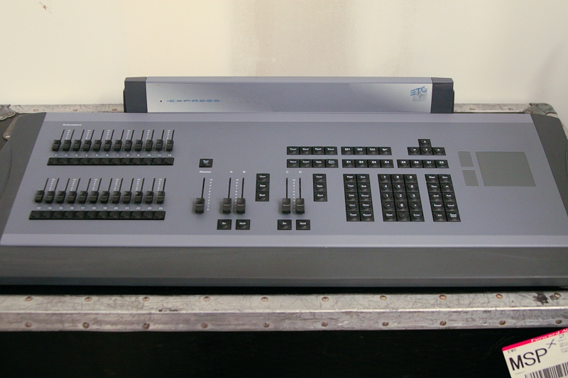 & Used Express 250 by Electronic Theatre Controls - Item# 15489 azcodes.com