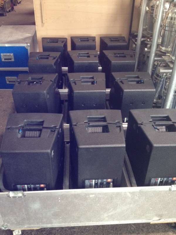 Used VRX932LA Package from JBL
