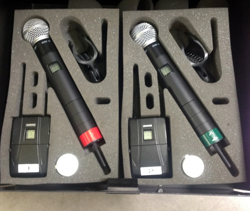 Xlarge on Shure Dual Wireless Microphone System