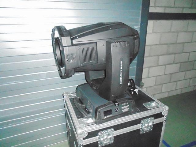 Used Alpha Shotlight Wash 1500 from Clay Paky