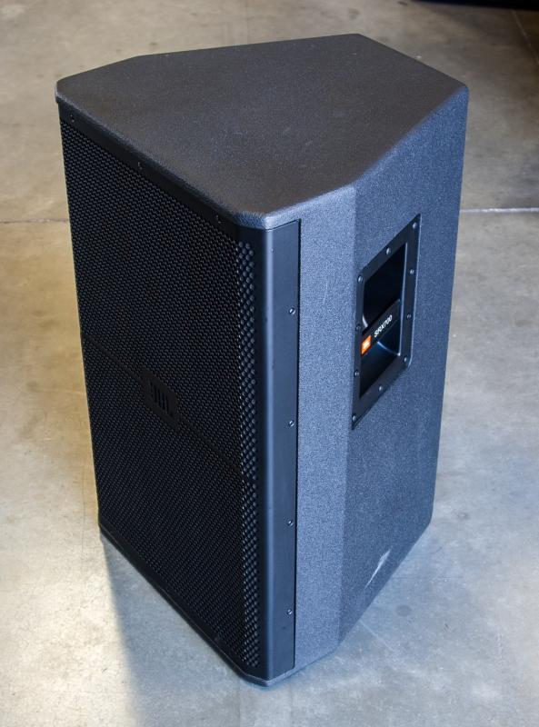 used srx715 by jbl item 33369. Black Bedroom Furniture Sets. Home Design Ideas