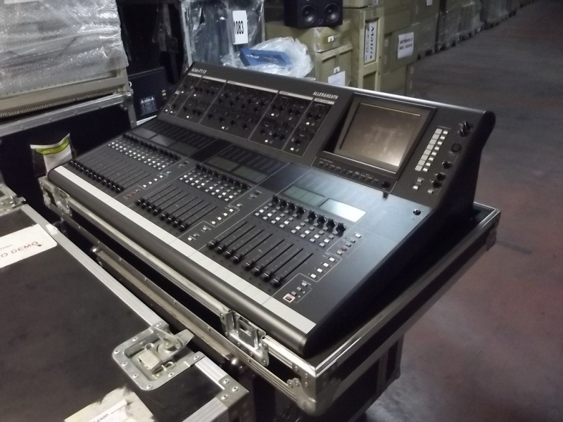 used ilive t112 by allen and heath item 37224. Black Bedroom Furniture Sets. Home Design Ideas