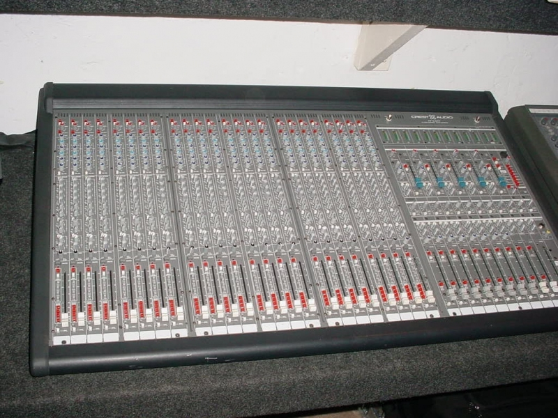 Used HP-Eight 24 Frame from Crest Audio