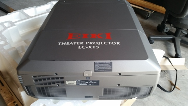 Used LC-XT5A from Eiki