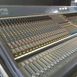 Used XL200 from Midas