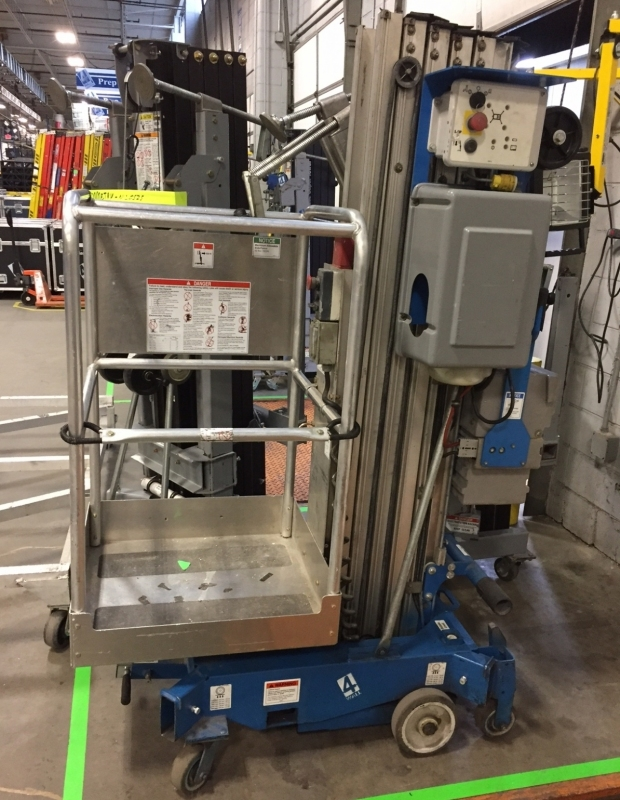 Used AWP Super Series Personnel Lift 25ft from Genie